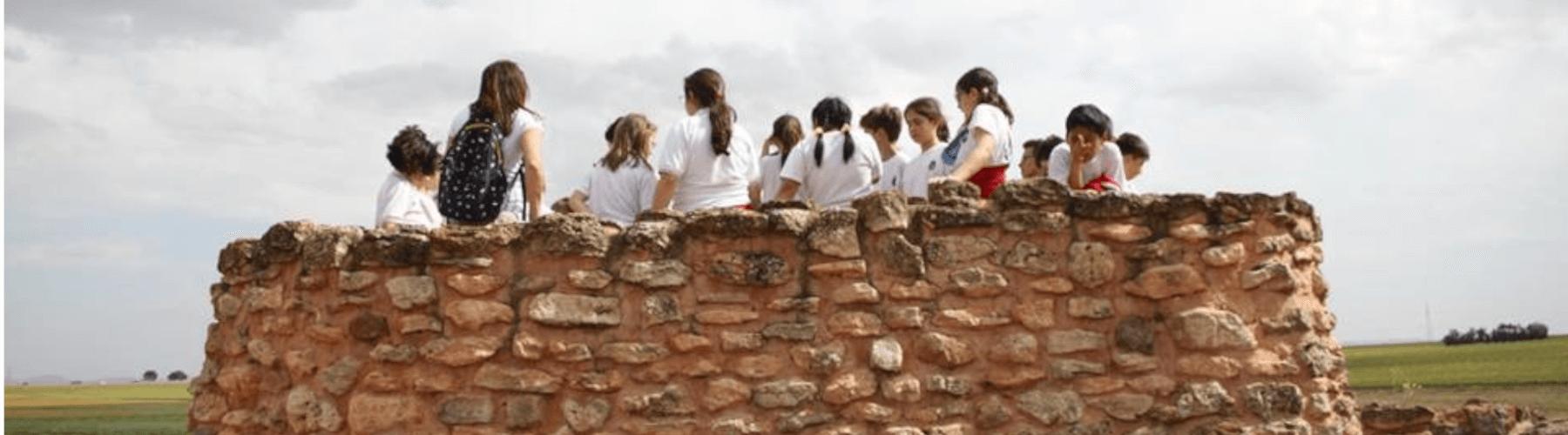 Grupo de niños en la Motilla del Azuer