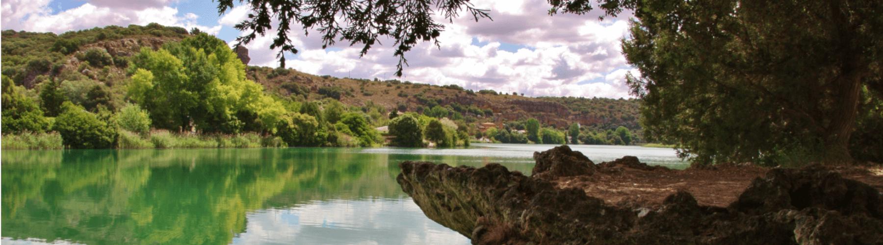 Orilla de las Lagunas de Ruidera